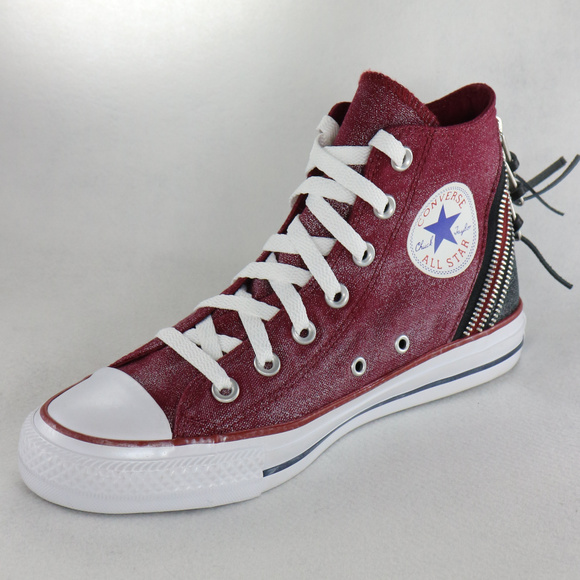 New CONVERSE Chuck Taylor Tri Zip Hi in Oxheart NWT